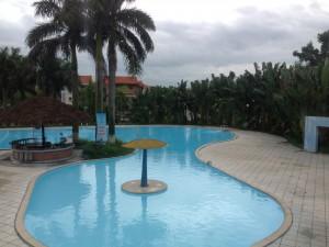 Bể bơi Long Việt